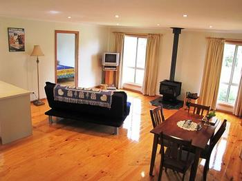 Mount Gambier Locality List  Image . This photo sponsored by Accommodation Category.