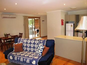 Mount Gambier Locality List  Image . This photo sponsored by Accommodation - Self Contained Category.